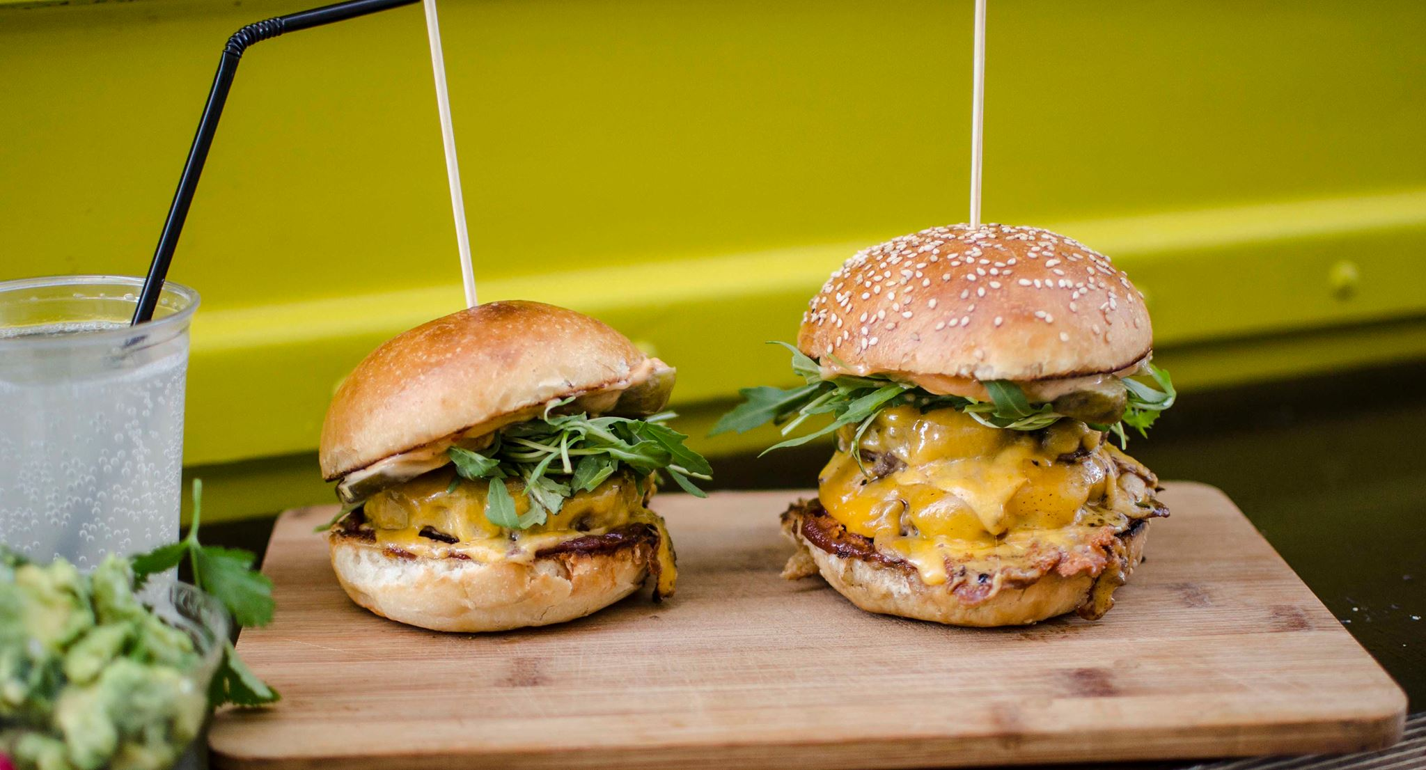 Street food in Berlin is a great option for budget travel: try burgers from Bunsmobile!